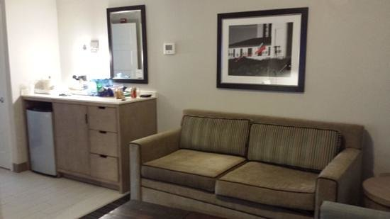Four Points by Sheraton Jacksonville Beachfront : liv rm