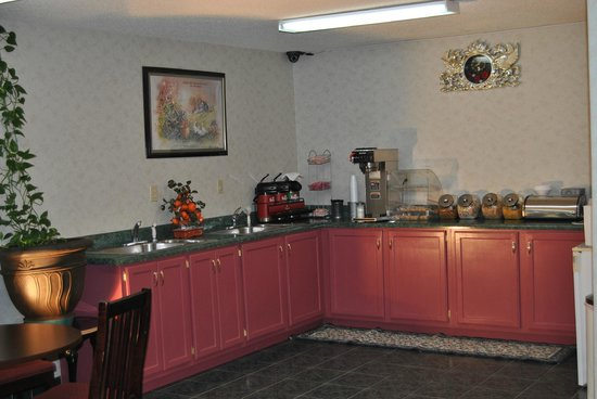 Sylvester Inn: Continental Breakfast