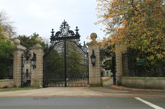The Breakers: Entrance Gates