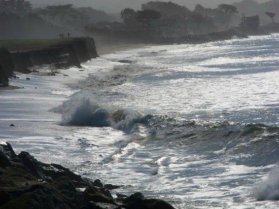 Beach House at Half Moon Bay: A short walk down the beach in February