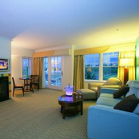 Hotel Blue: Spacious, comfortable, and luxurious