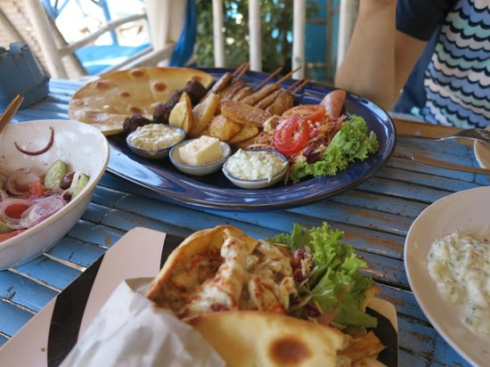 Greek Taverna: yumm