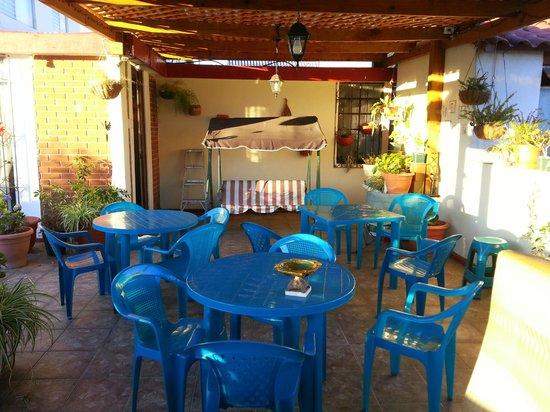 Mariana's Petit Hotel: Terraza