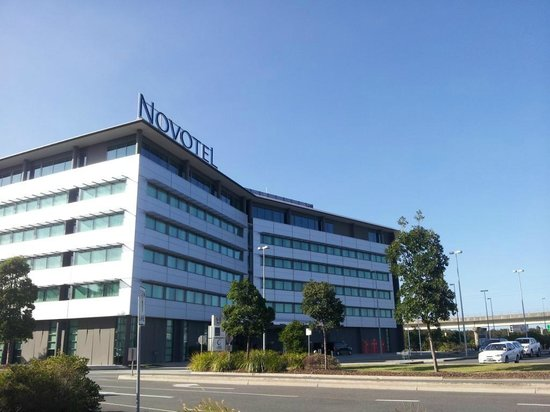 Novotel Brisbane Airport from shopping centre