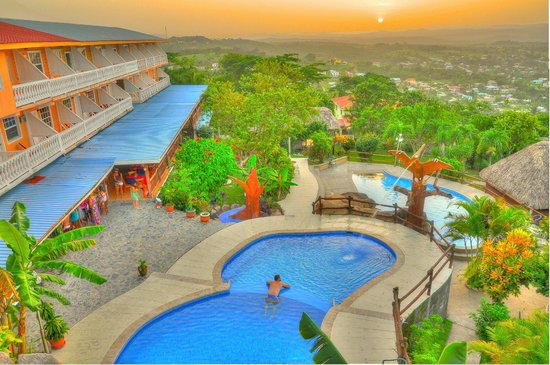 Cahal Pech Village Resort: Aerial view of our gorgeous swimming pool