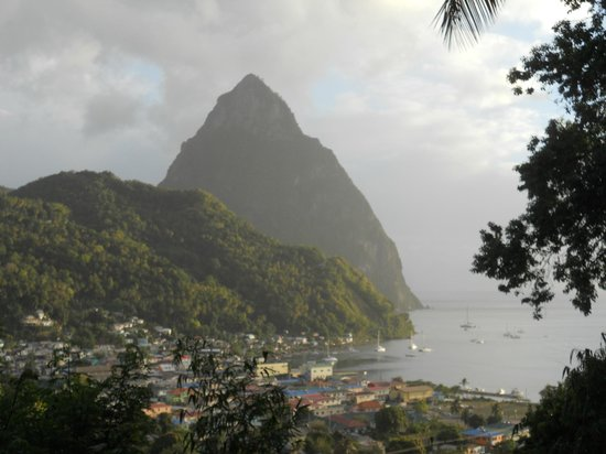 Uptown Guest House : Petit Piton from the deck