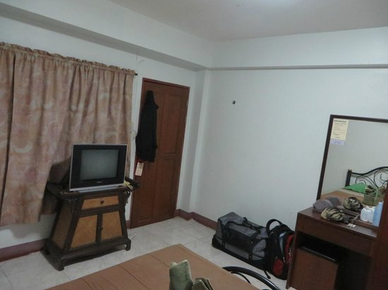 Junior Guest House: TV worked well