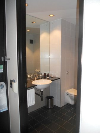 SKYCITY Hotel : Bathroom