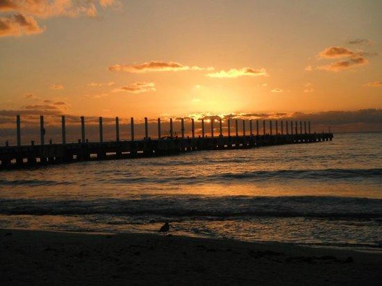 Gran Porto Resort: Sunrise sitting on the beach
