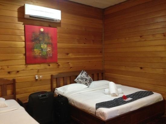 Scuba Junkie Mabul Beach Resort: Room no 7