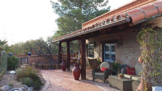 Hacienda del Desierto Bed and Breakfast: Patio