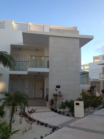 Beloved Playa Mujeres: View of back/entrance to Bella 4