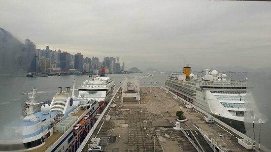 Marco Polo Hongkong Hotel: Morning View