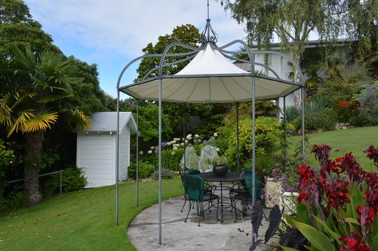 The Masters Lodge: Garden View