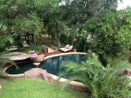 Lukimbi Safari Lodge: Pool