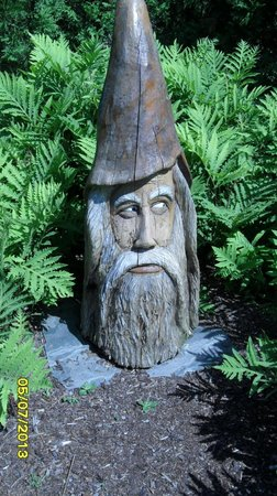 Kingsbrae Garden: I thought this carving resembled Paul Newman