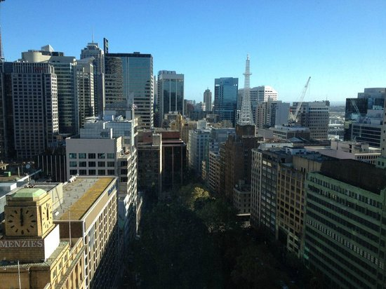 Amora Hotel Jamison Sydney : View south down length of Sydney CBD