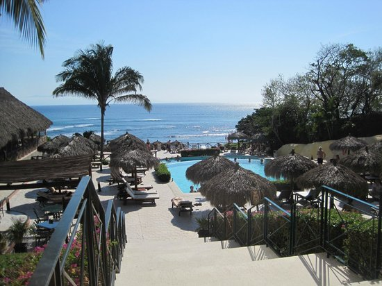 The Royal Suites Punta de Mita: Pool and view of the bay