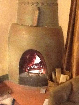 Las Palomas Inn Santa Fe: love our Kiva fireplace