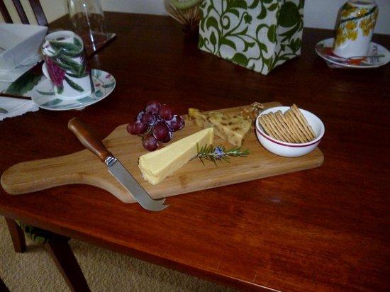 Bellbird Cottage B&B: Cheese platter