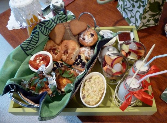 Bellbird Cottage B&B: Breakfast tray