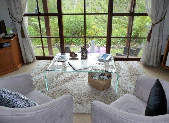 Bellbird Cottage B&B: View to bushland