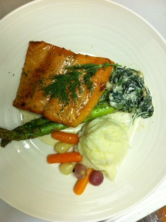 Laughing Goat : Seared salmon