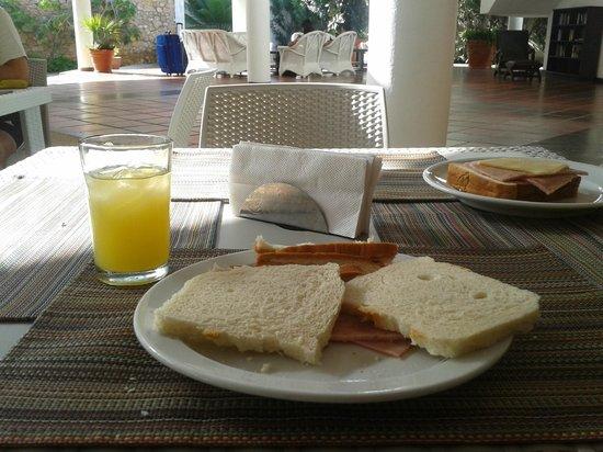LD Palm Beach : Desayuno.
