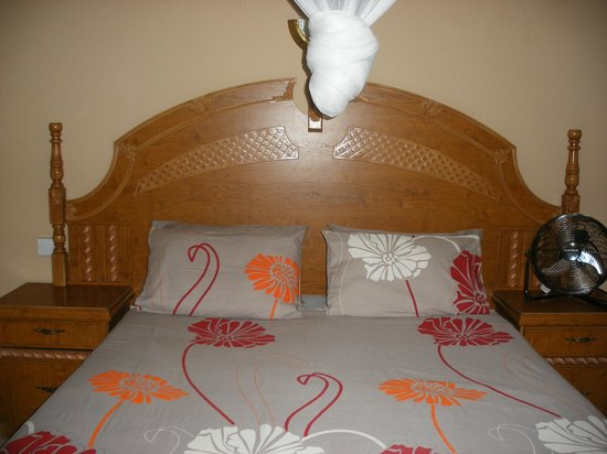 Gloria's Bed & Breakfast: Cottage Bedroom