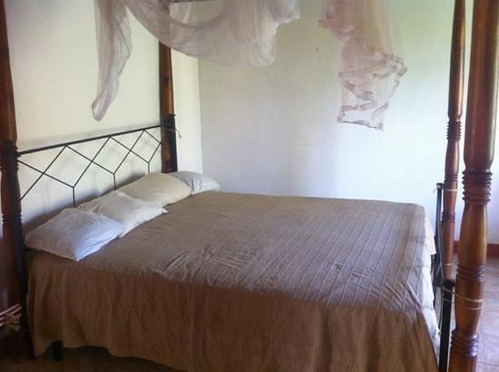 Saman's Guesthouse : второй этаж, спальня