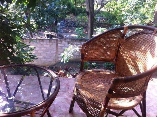 Saman's Guesthouse: веранда на втором этаже