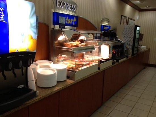 Holiday Inn Express Hotel & Suites Erie (Summit Township): More breakfast photo