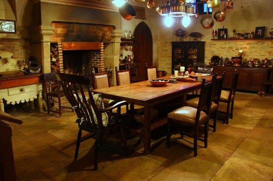 Chateau de Challain: Breakfast in the kitchen