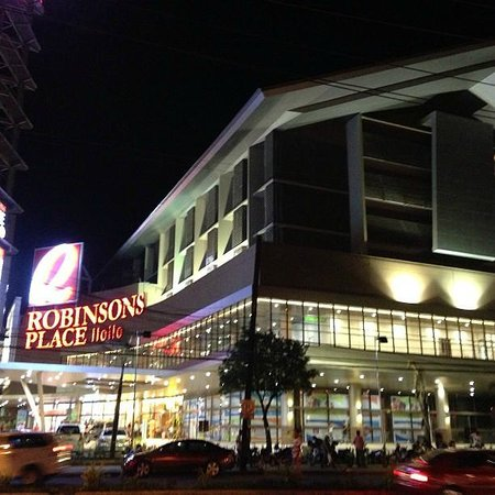 Go Hotels Iloilo Night View