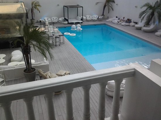 Ocean Bangkok: Pool view room