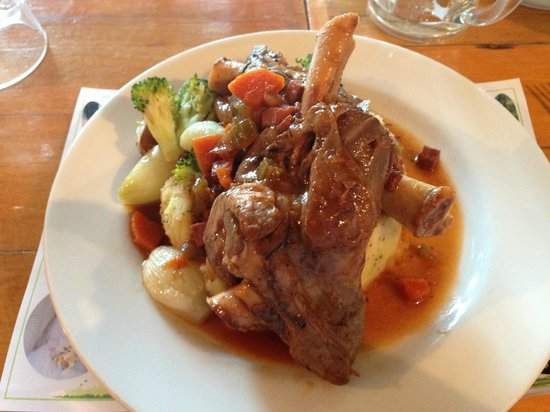 Rutland Arms: Lamb shank with potato mash and vegetables