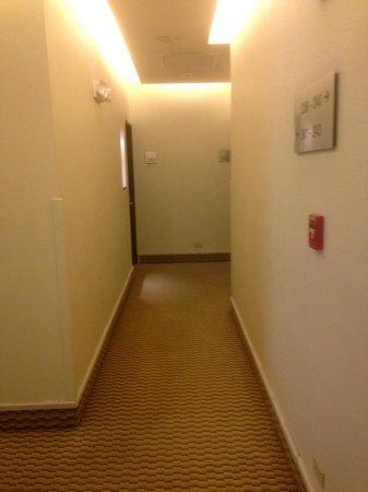 Rincon del Valle Hotel & Suites: Hallway