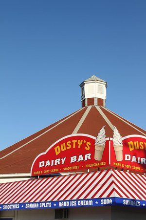Atlantic Beach Park: Dusty's has the best ice cream in town