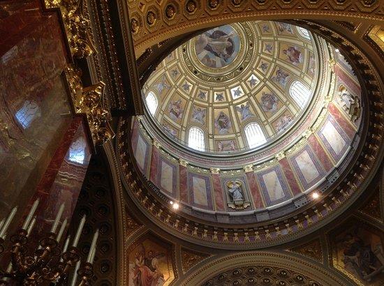 Basilique Saint-Étienne de Pest : L'interno