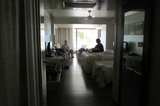 Holland House Beach Hotel: Inside Room
