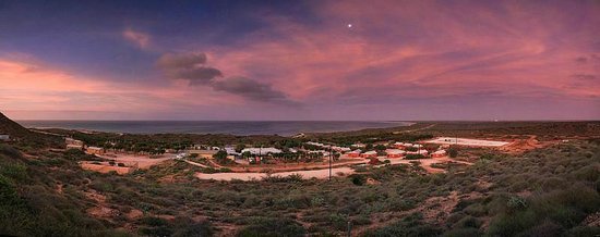 Ningaloo Lighthouse Caravan Park: Sunsets were spectacular