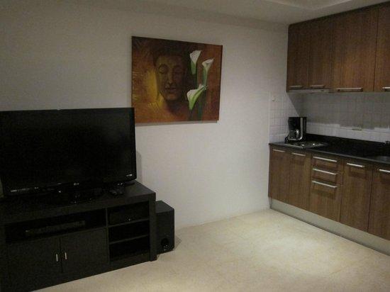 Sai Naam Lanta Residence: living room
