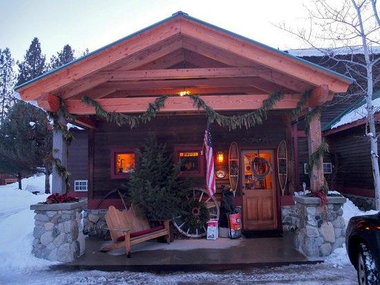 Chewuch Inn & Cabins: Entry