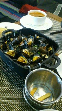 La Marina Restaurant Bar: MUSSSELLSSSSSSSS