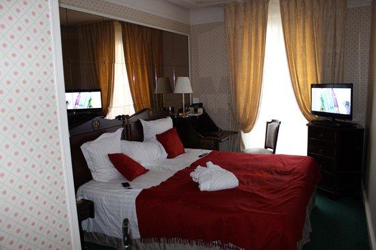 Hotel Westminster: Номер