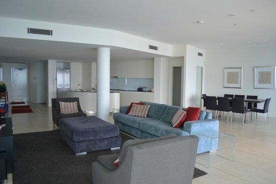 The Sebel Coolangatta : Kitchen, Lounge