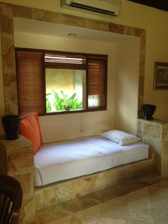 Rumah Bali : day time rest bed