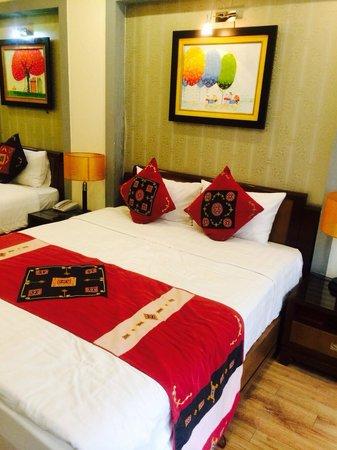 Splendid Star Grand Hotel: Кровати две почему-то )