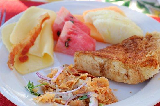 Grand Isla Navidad Resort: Breakfast food from buffet