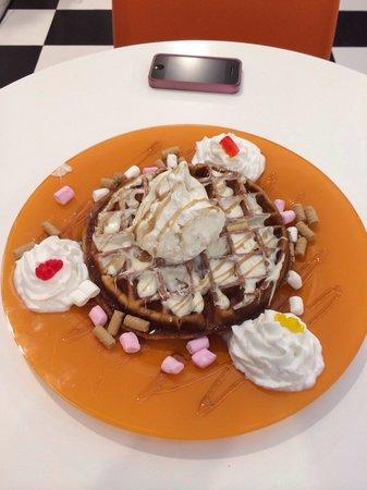 Paulina Ice Creamy: Paulina's amazing waffle :)